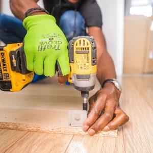 La perceuse-visseuse, un outil incontournable pour des travaux de bricolage ou de construction