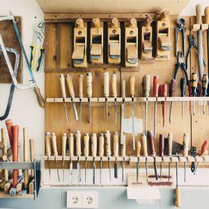 Quels outils de menuiserie pour de petits bricolage à la maison?