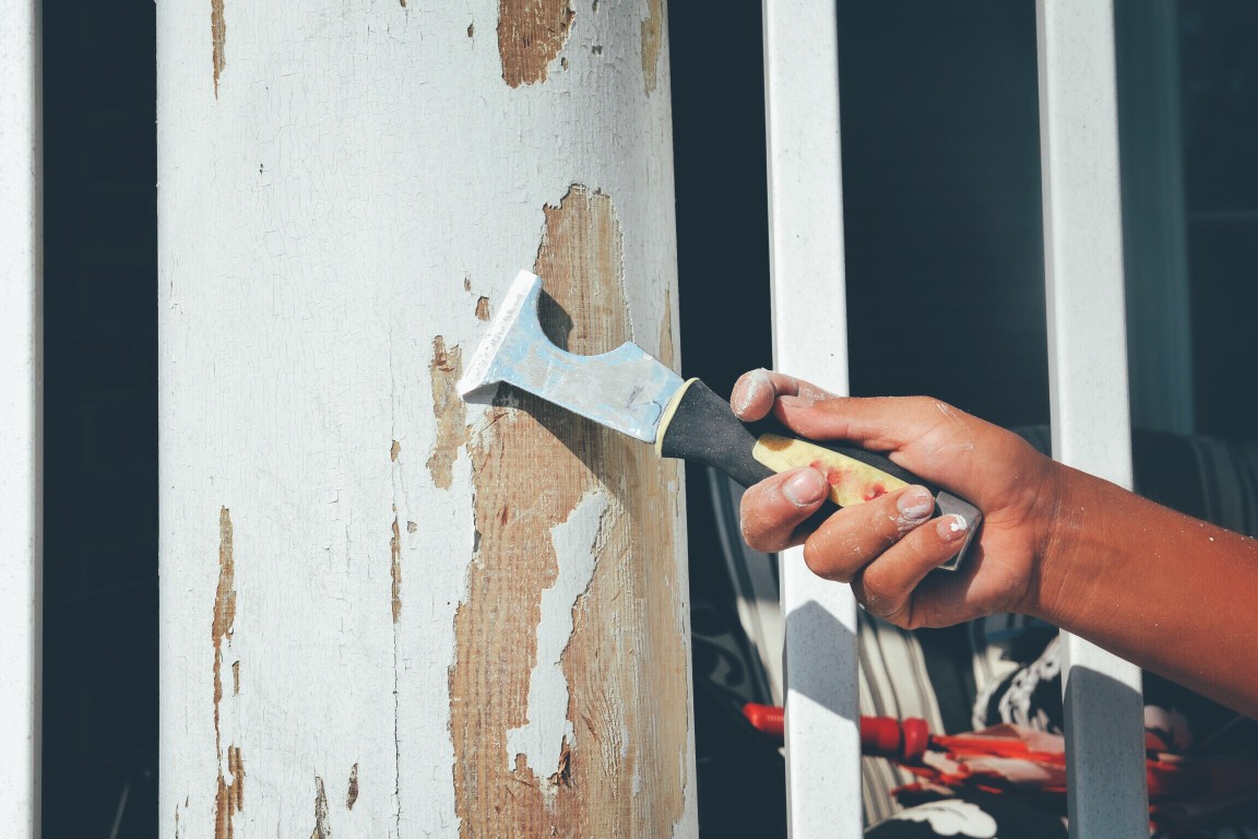Faire des travaux dans sa maison seul, une bonne idée ?